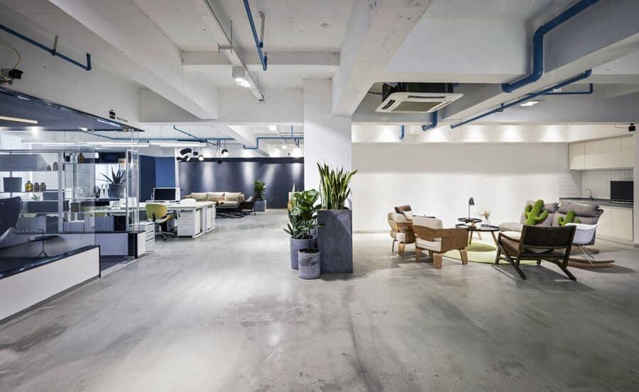 Gewerbeimmobilien mieten, hier ist die Innenansicht eines Büros zu sehen.