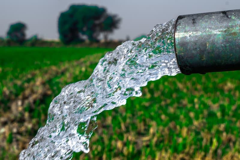 Wasser aus einer eigenen Leitung, nach dem ein Brunnen gebohrt wurde