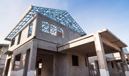 Welche Vorteile und Nachteile hat eine Immobilie von einem Bauträger?