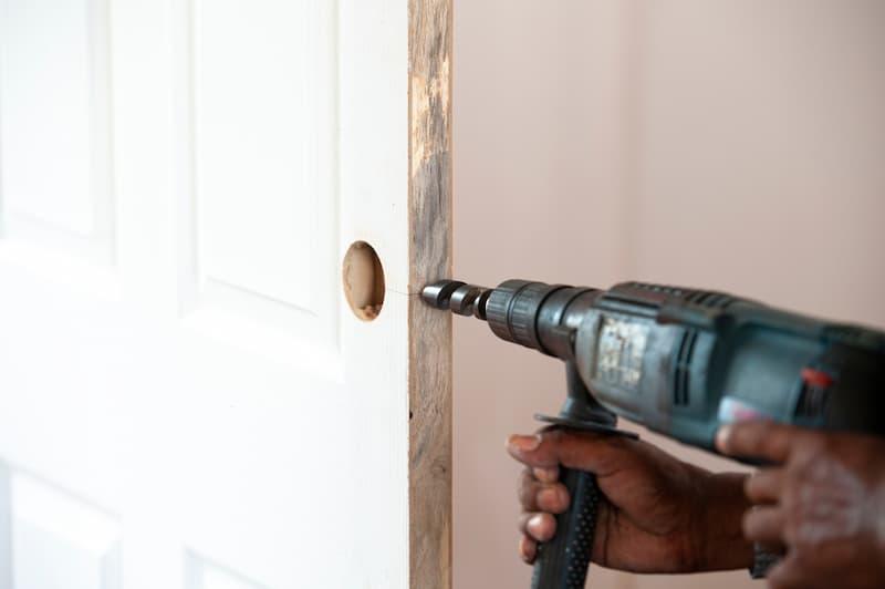 Türschloss wechseln in der Mietwohnung – worauf muss ich als Vermieter/Mieter achten?